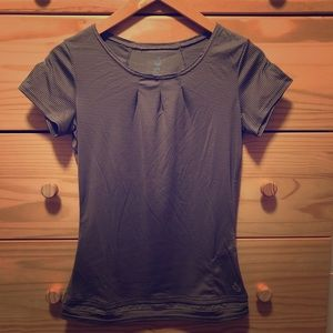 Isis for Women Short-sleeve Top